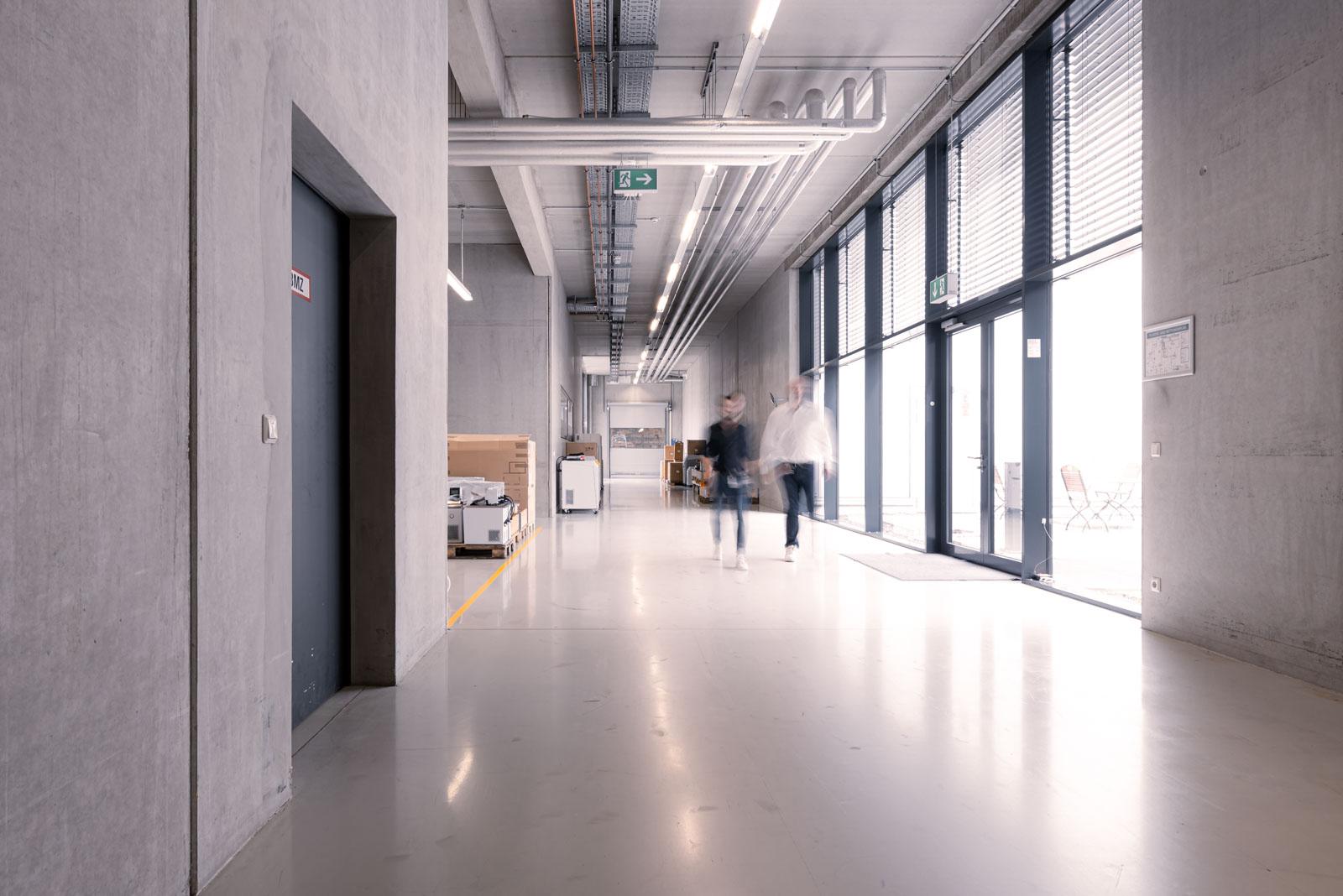 Firma Lauda - Verbindungsbau und Produktionshalle